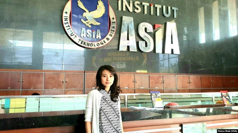 Profile Risa Santoso,B.A.,M.Ed Rektor Termuda Indonesia