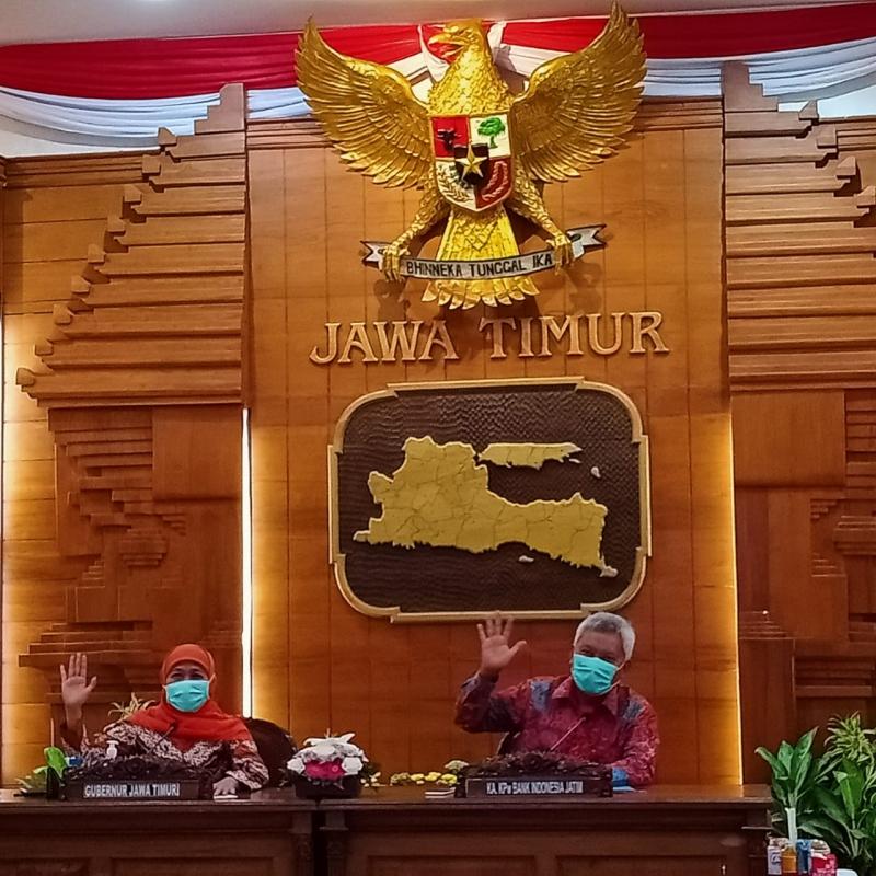 Gubernur Jawa Timur Khofifah Indar Parawangsa - Virtual Expo Dorong UMKM Bangun Akses Pasar