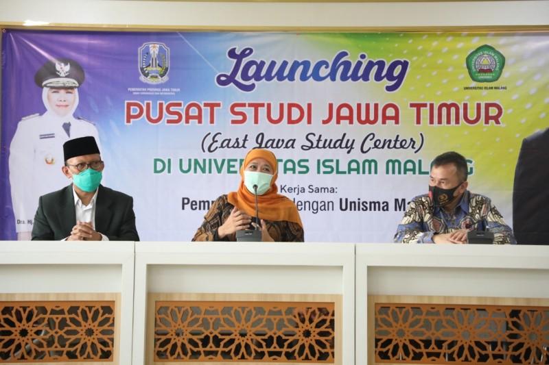 Gubernur Jawa Timur Khofifah Indar Parawangsa Resmikan Pusat Studi Jawa Timur